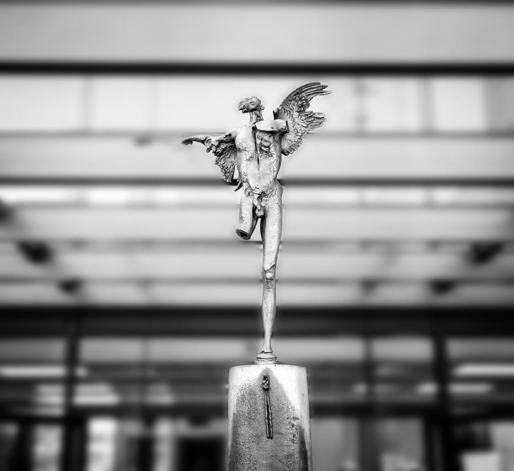 fondazione ikaros statua